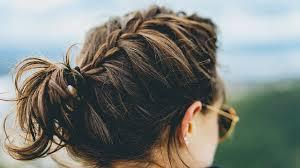 ヘアサロンにて。年相応のヘアスタイルか?痛いヘアスタイルか?